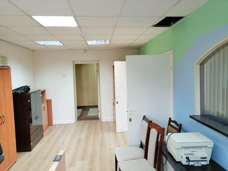 Вашему вниманию предлагаются офисные помещения, блок из нескольких кабинетов.