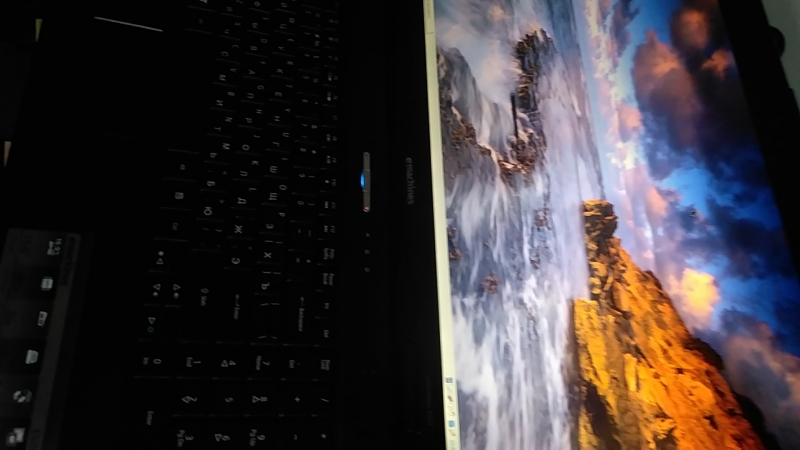 Ноутбук MSI E525, 2200 Mhz, 1 Gb, 320 hdd, 15,6, dvd, usb, lan, cr, wi-fi, came